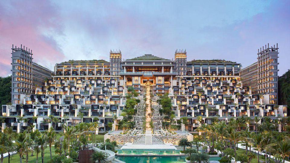 ubud luxury hotels